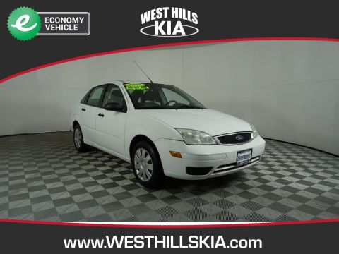 Pre-Owned 2005 Ford Focus SES